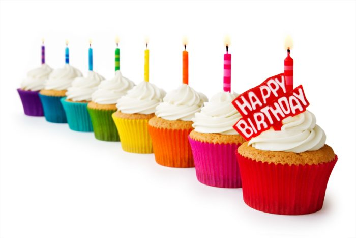 Happy Birthday cupcakes HD Desktop Photo 700x467