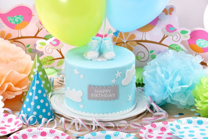 Cute blue birthday cake idea