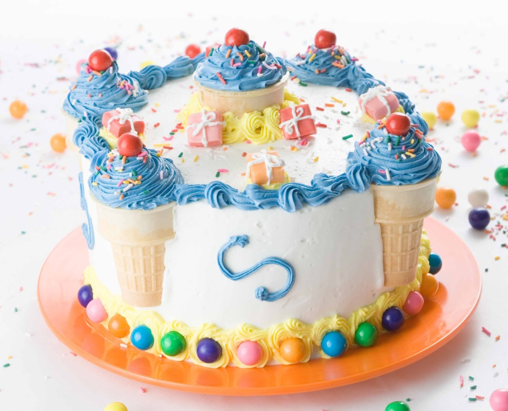 cute blue birthday cake idea 1